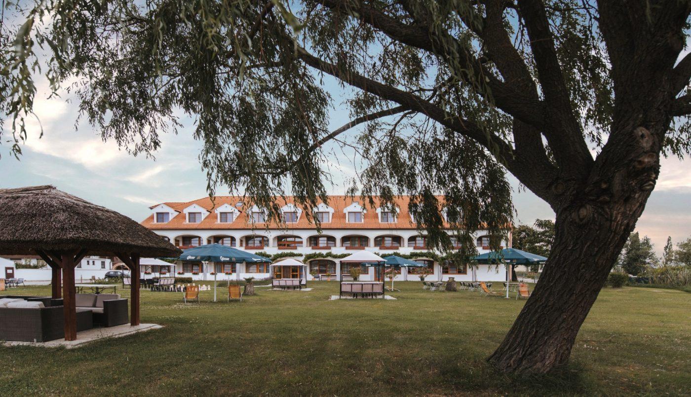 Hotel-Mörbischerhof-Gastgarten